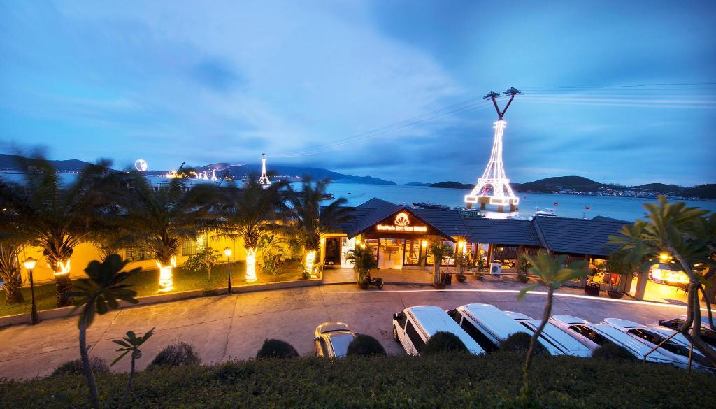 MerPerle Hòn Tằm Resort